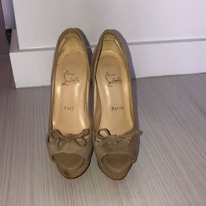 Christian Louboutin nude platform heels sz 36